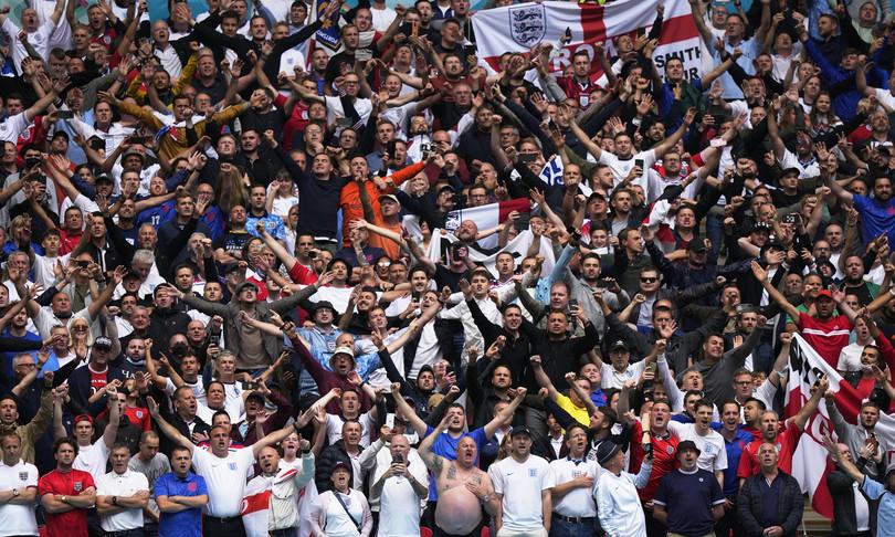 europei autogol razzismo scuote calcio inglese