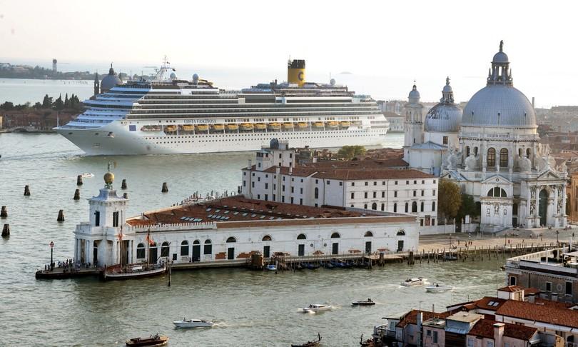 Venezia Grandi navi Consiglio dei ministri Franceschini Giovannini