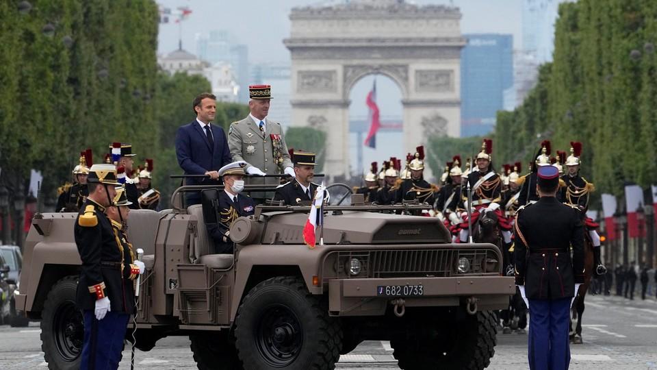 Francia, parata agliChamps-Élysées