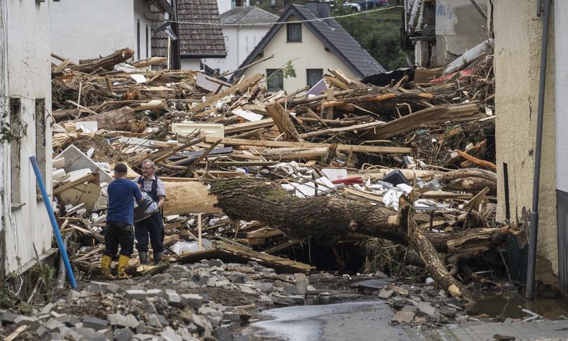 germania morti dispersi alluvioni frane