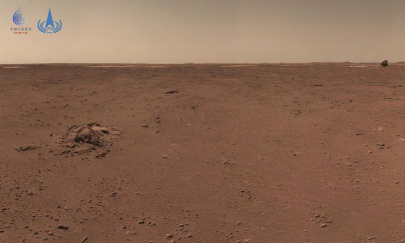 spazio rover zhurong fotografa guscio che l'ha portato su marte