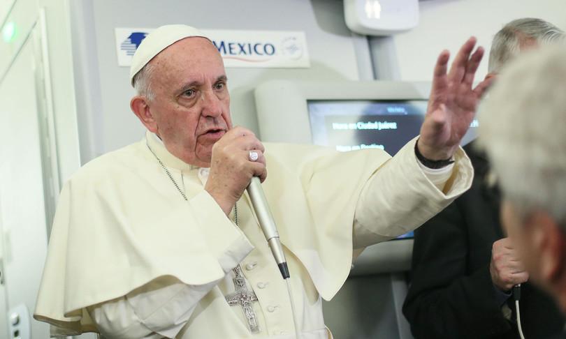 papa ambiente ferito dalla logica del profitto