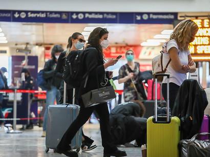Non solo: secondo le stime della Fiavet, nell'ultima settimana si è registrato un calo del 50% delle richieste di prenotazione sia per l'estero che per l'Italia