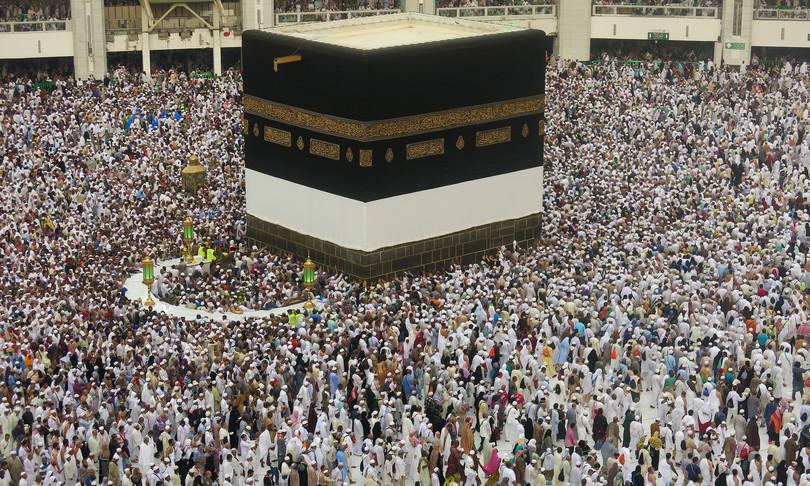 La prima volta delle saudite, in pellegrinaggio alla Mecca senza uomini