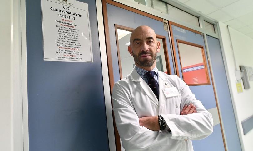covid Matteo Bassetti stupidaggine non vaccinare under 40