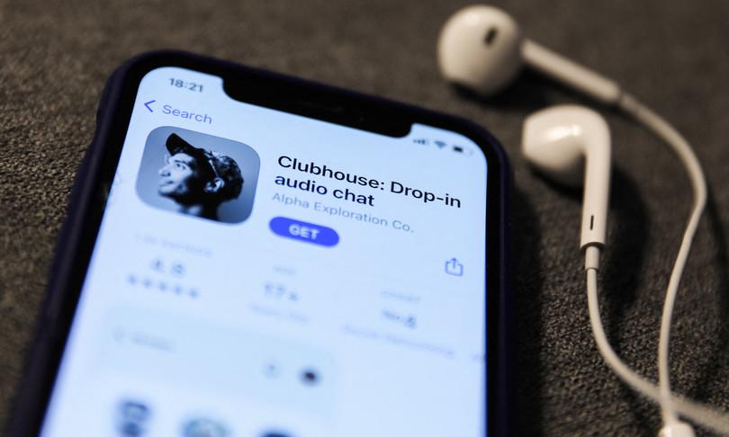 clubhouse apre tutti utenti