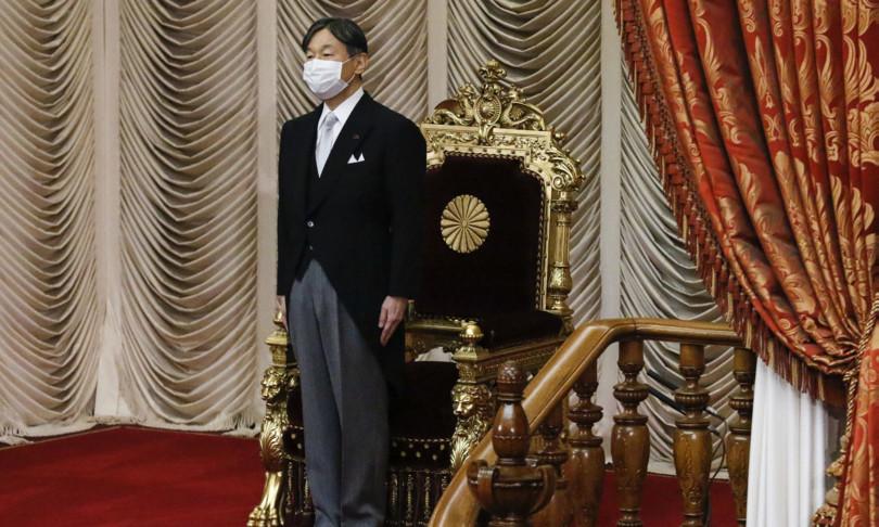 olimpiadi Tokyo cacciato direttore inaugurazione