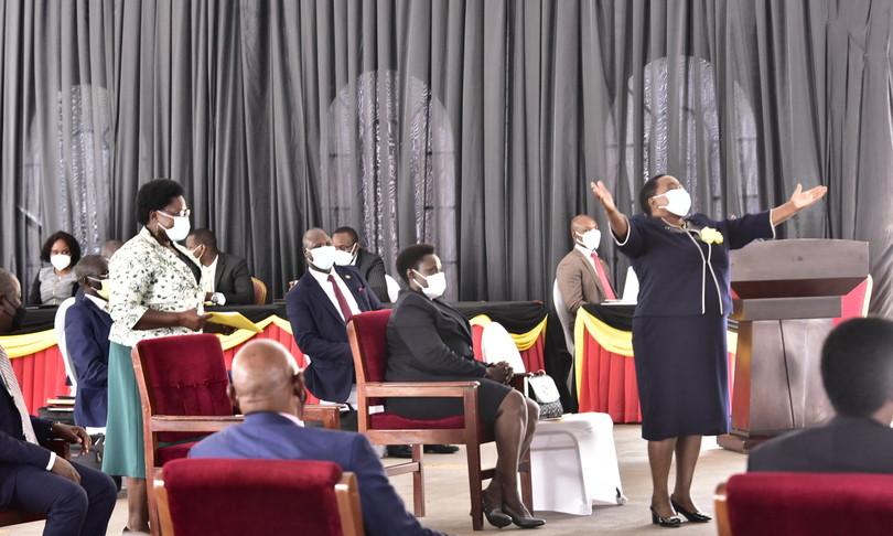 uganda scandalo auto nuove deputati