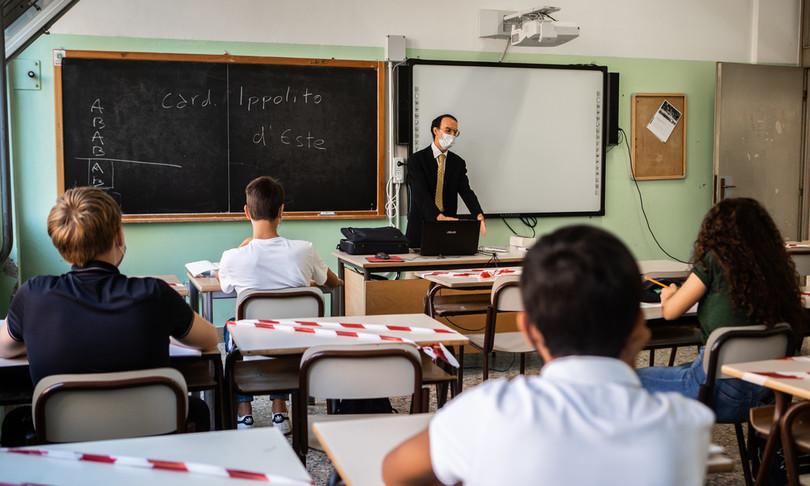 Covid Maga vaccino obbligatorio popolazione scolastica