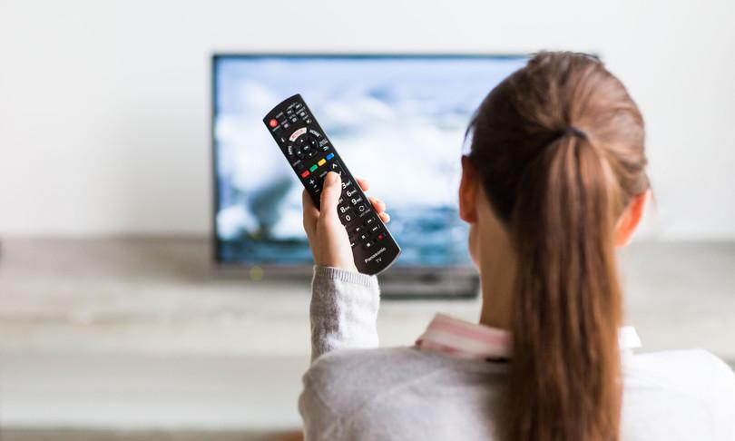 Agcom tv preferita per avere news calano ricavi media