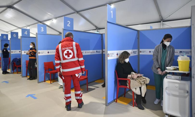 Vaccino: il 'modello Lazio' guarda alla medicina del territorio