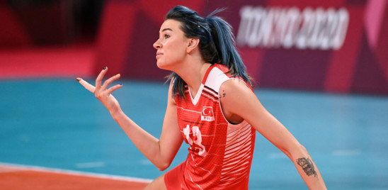 """Il teologo musulmano sferza le pallavoliste turche: """"Siete sultani della fede, non dello sport"""""""
