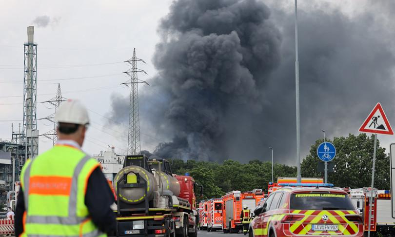 Germania esplosione sito chimico bilanco morti dispersi