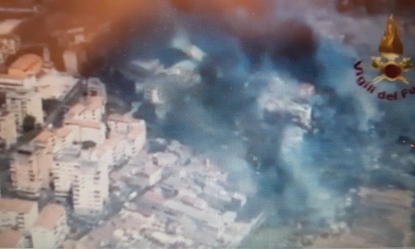 incendi catania sicilia