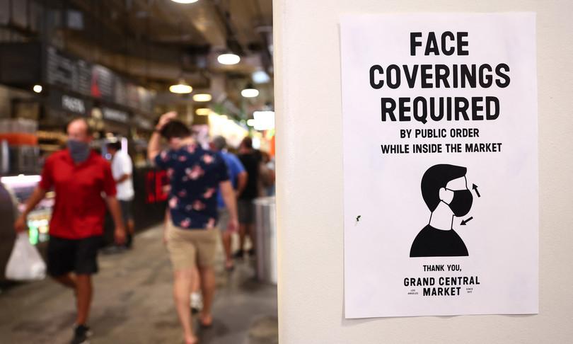 Covid California ristorante vieta ingresso vaccinati