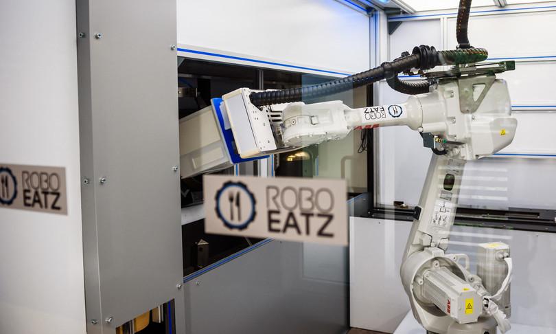 Riga robot chef futuro tech ristoranti