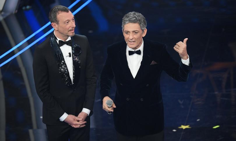 Sanremo terza volta di Amadeus confermato direttore artistico per il 2022