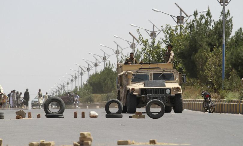 caos afghanistan invito usa gb lasciare paese