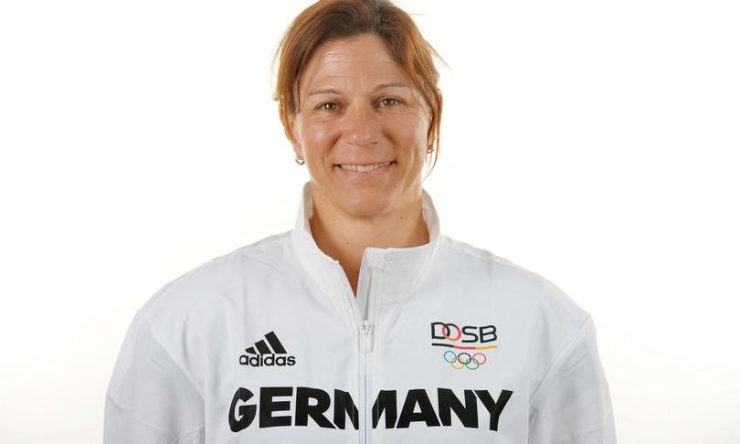 allenatrice tedesca pentathlon espulsa dopo pugno cavallo