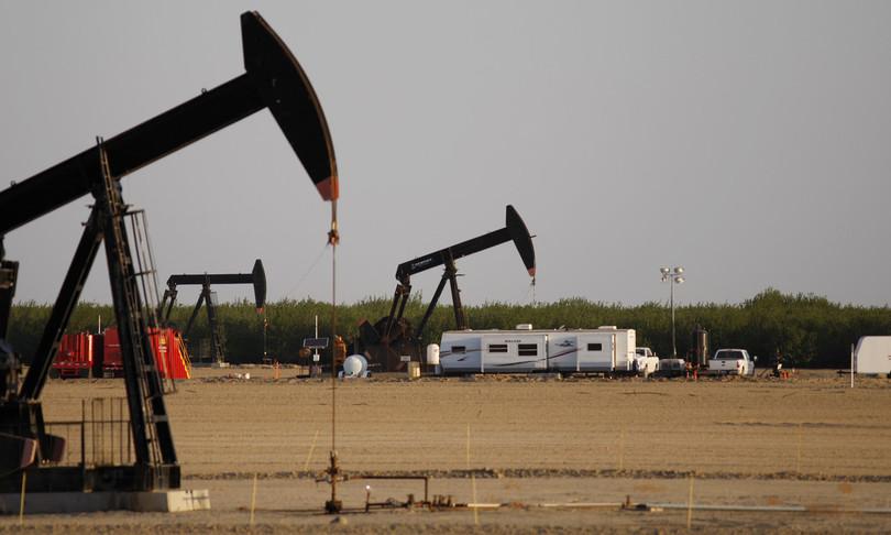 Cina frena testacoda petrolio