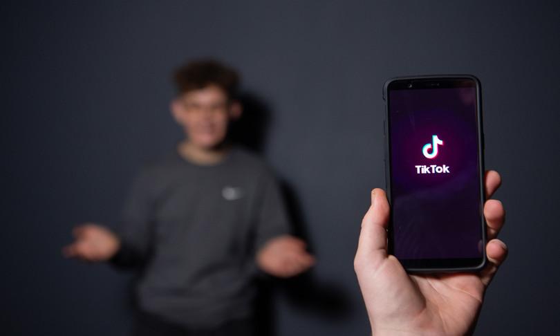 tiktok annuncia nuove misure a salvaguardia degli adolescenti
