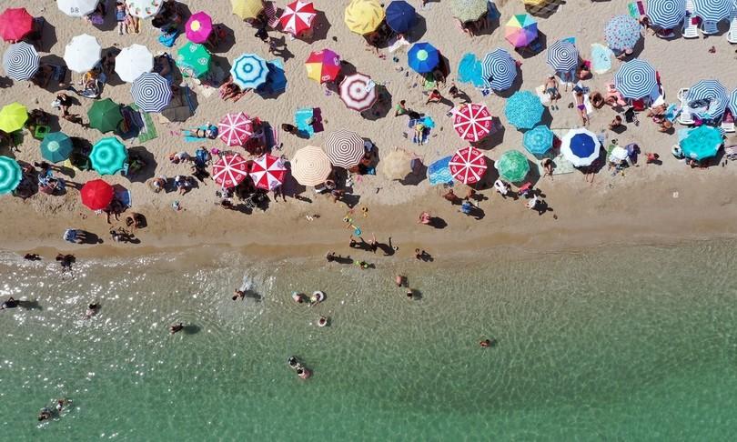 turismo riparte boom prenotazioniferragosto