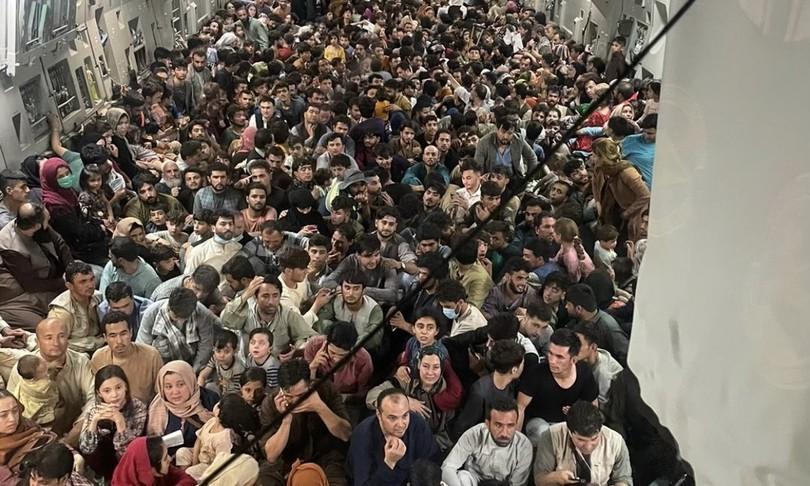profughi afghani su aereo usa kabul