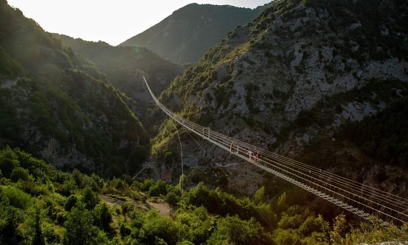 Turismo Basilicata boom visitatori ponte tibetano record