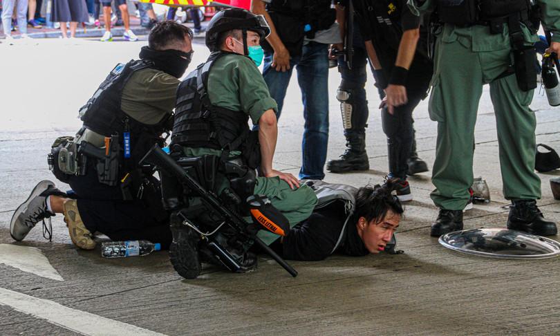 Hong Kong quattro studenti arrestati per sostegno al terrorismo