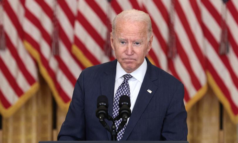 Biden difende ritirata ma non sa come finira