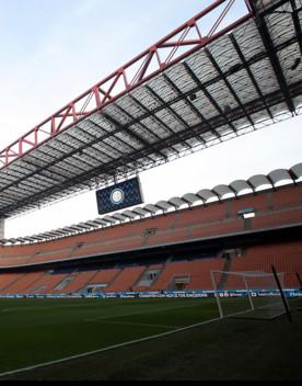 L'Inter travolge il Genoa 4-0, vittoria del Sassuolo contro il Verona