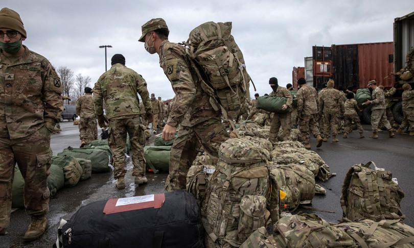 Afghanistan soldati Usa cominciano a lasciare Paese