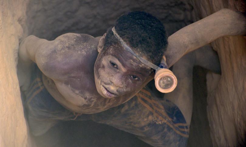 Congo bambini salvati miniere frequentano scuola