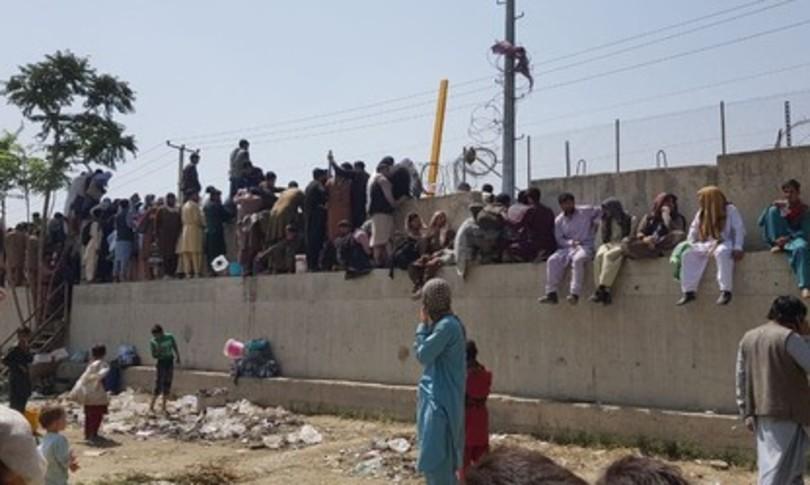 afghanistan allerta usa attentato isis aeroporto kabul
