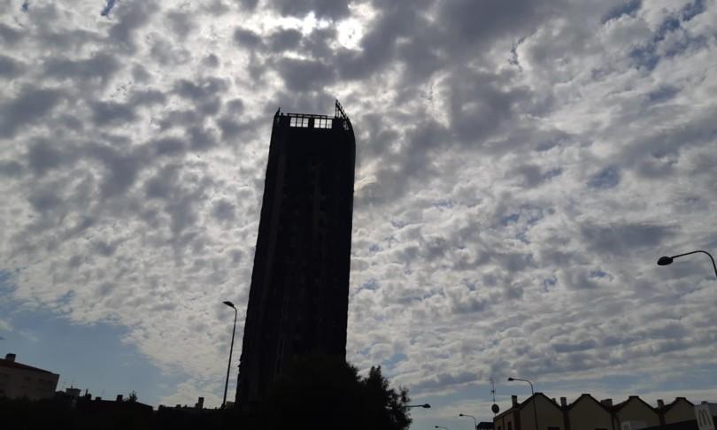 Incendio Milano torre moro potrebbe essere abbattuta