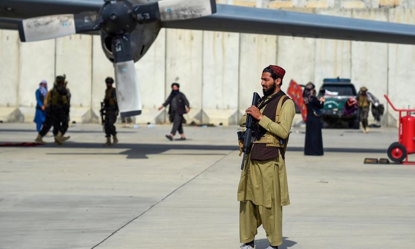 web afghanistan talebani reazioni social
