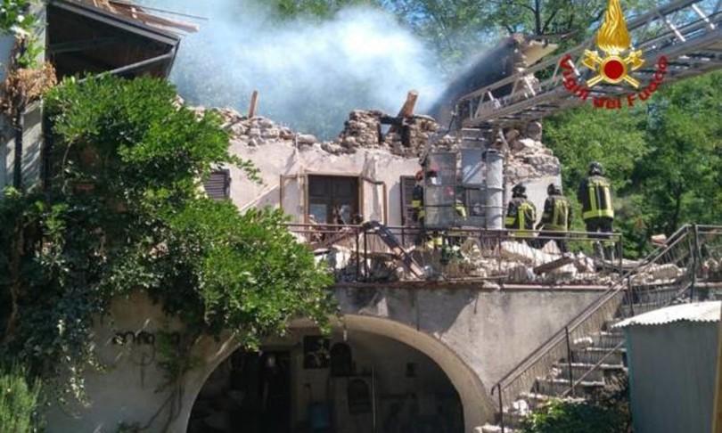 Esplode casa anziano trovato morto