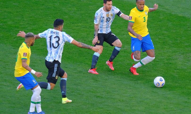 Covid sospesa partita calcio Brasile Argentina