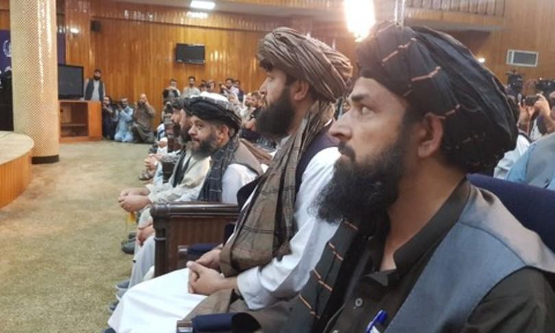 Governo talebani proteste crisi umanitaria