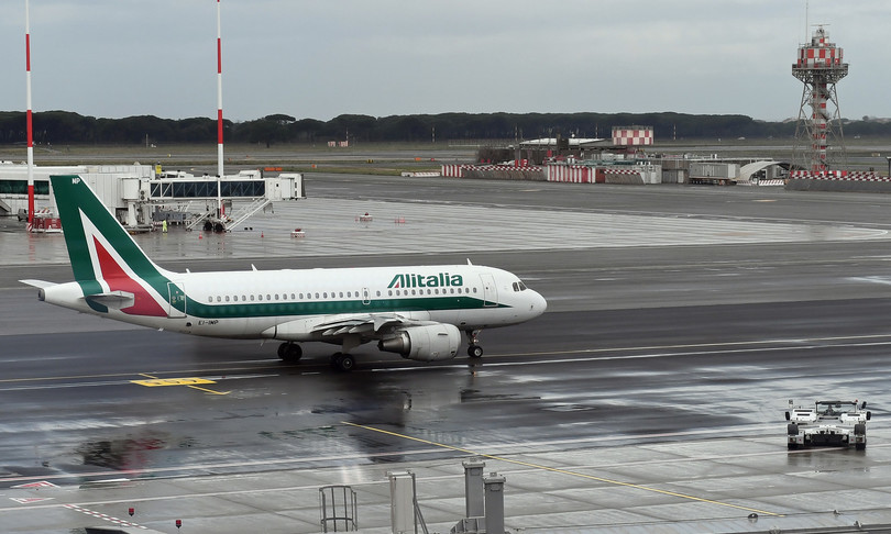 Alitalia Ue illegali prestiti aiuti di stato