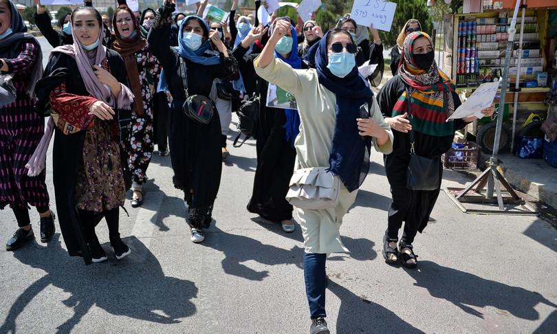 no donne ministro pensino figli afghanistan talebani