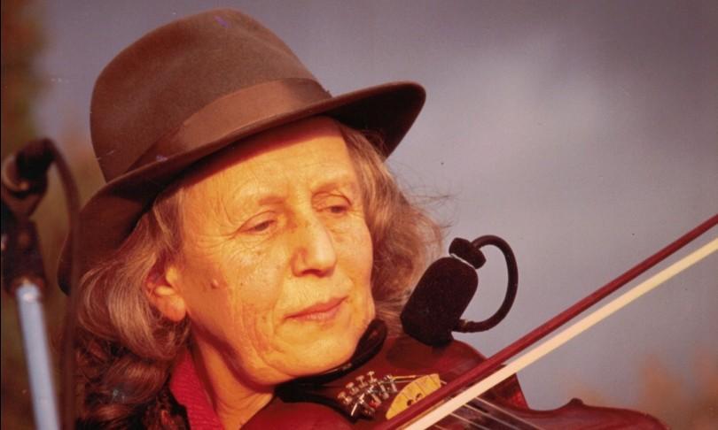 morta Giulia Lorimer voce e violino Whisky Trail