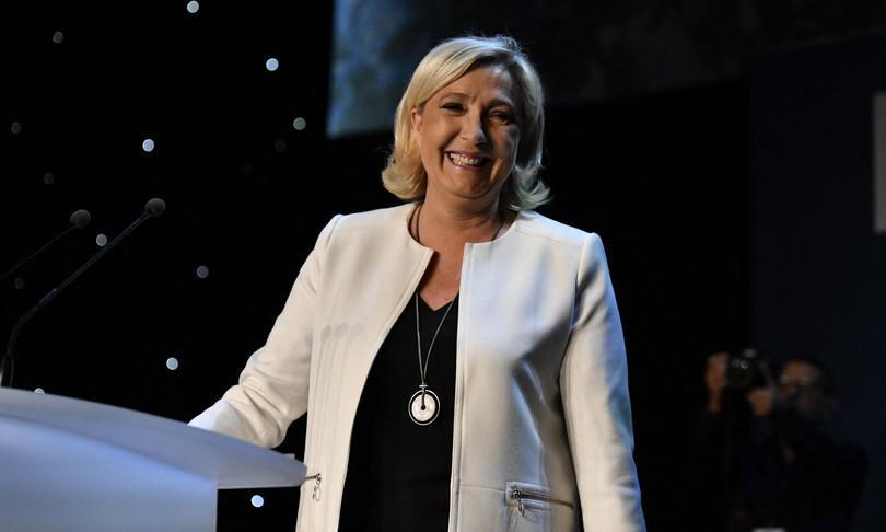 Francia Anne Hidalgo Marine Le Pen candidatura presidenziali francesi