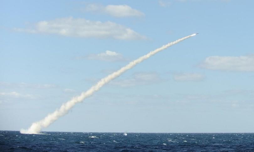 Tensione fra Coree test missilistici incrociati