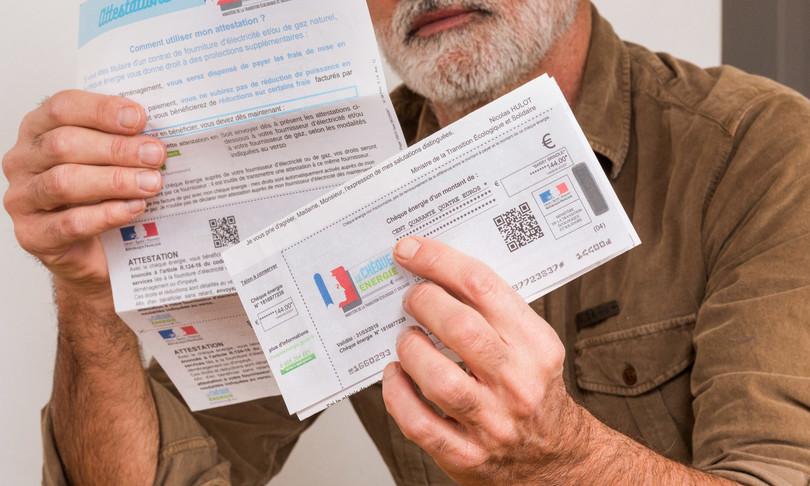 governo francia 100 euro famiglie caro bollette