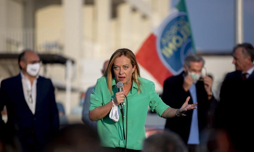supermedia sondaggi fratelli italia primo partito ma calo