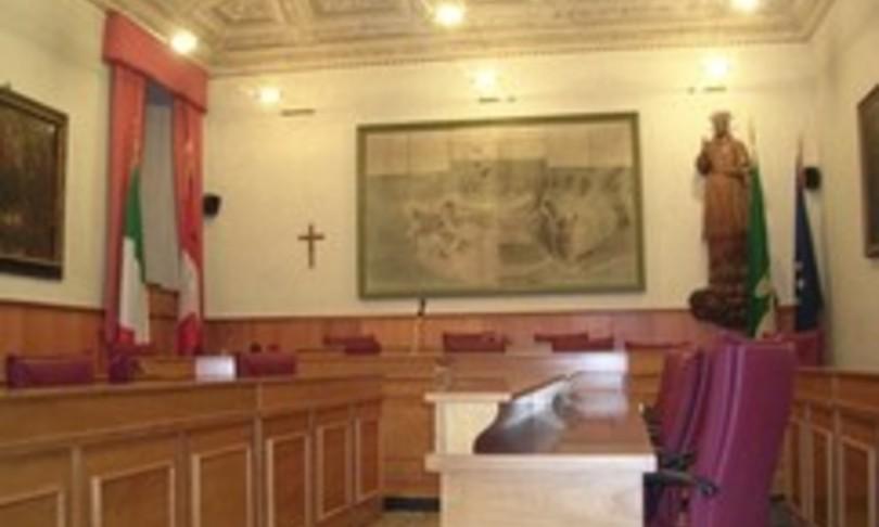 Bestemmia Consiglio comunale dimissioni consigliere Lega