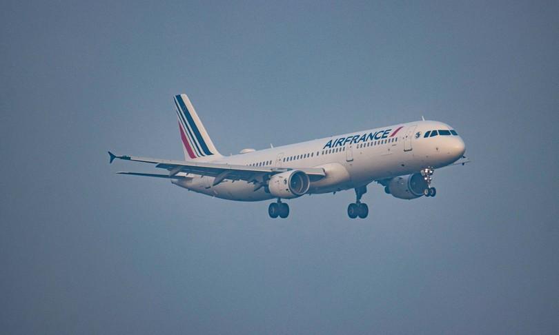 volo air france atterraggio emergenza parigi pechino