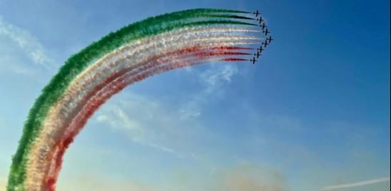 Le Frecce Tricolori tornano dopo due anni a colorare i cieli