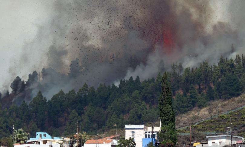 Spagna eruzione Cumbre Vieja La Palma Canarie